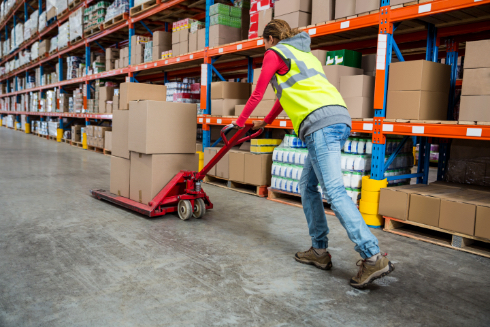 From orders, scanning, picking and packing, to delivery and drop off. Our expert team is on hand to help with any questions you